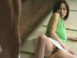 爆乳娘が近親相姦で父親巨根に突かれヒクヒク痙攣!杉山圭