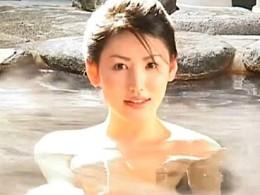 巨乳の美人若女将が露天風呂で夫に責められビクビク痙攣イキ!北原多香子2