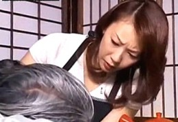 「許して〜」美人妻は義父の高速手マンで連続エビ反り痙攣イキ!橘エレナ02