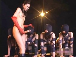 「ぶっ太いのが欲しいんでしょ〜」性奴隷がドS女王様にペニバンでガン突きされビクビク痙攣!乃亜04