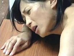 尻軽熟女妻はハメ潮女!3P寝取られエッチで大量ハメ潮吹き痙攣アクメ![ヘンリー塚本]北原夏美2