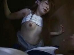 ムチムチ人妻が汗だく痙攣アクメ!夫に隠れ押し入れの中で男に寝取られ汁まみれ!愛音まひろ
