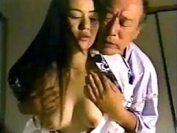 美人妻は旦那に内緒で義父に抱かれビクビク痙攣!