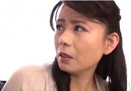 美熟女母が息子のために担任教師にガン突きされビクビク痙攣イキを連発!三浦恵理子00