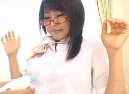 メガネっ娘JKが髪を振り乱してヨガリまくりヒクヒク痙攣イキ!仲咲千春02