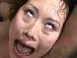 [音量注意]白目を剥いたアヘ顔で憑依したかのように大絶叫痙攣イキする美女!成瀬るな