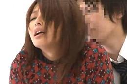 授業参観に来た母親が教師に痴漢され高速手マンでビクビク痙攣イキ!山本美和子02