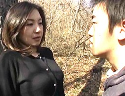 美熟女が実の息子と知りながらそれを隠しガンガン突かれビクビク痙攣イキ!大沢萌