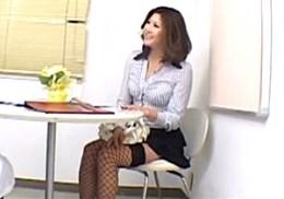 ムチムチの熟女人妻が性感エステで媚薬オイルを塗られ絶叫ビクビク痙攣イキ!白鳥美玲02