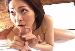 美熟女マダムが出張マッサージ師に生肉棒を押し付けられ発情し夫が帰宅するまでハメまくりヒクヒク痙攣アクメ!05
