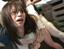 帰宅途中の美人OLがレイプ魔にトラック荷台で陵辱され大量潮吹き激痙攣アクメ!相島奈央04