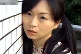 ノーパン美少女は中年オヤジを相手にビクビク痙攣アクメ!ヘンリー塚本02