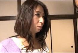 妖艶な熟女母は夫と息子に中出しされヒクヒク痙攣アクメ!高垣美和子02