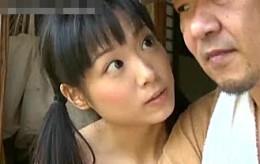 パイパン美少女JKは大好きな中年オヤジを誘惑し痙攣逝き!ヘンリー塚本