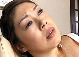 黒乳首の熟女母が夫に浮気され手マンオナニーで激痙攣アクメ!橘美沙02