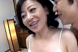 爆乳エロ顔おばさんが初撮りでガクガク痙攣イキ!寺島千鶴02