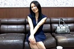 AV面接で興奮した清楚な黒髪人妻がビクン痙攣イキまくり!井上綾子02