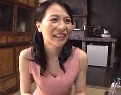 田舎の美人叔母が甥の巨根で突かれビクビク痙攣アクメ!井上綾子02