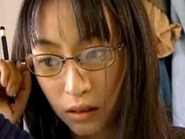 文学美少女が中年オヤジを妄想し淫語連発の痙攣オナニー!ヘンリー塚本20