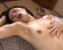 田舎の美人叔母が甥の巨根で突かれビクビク痙攣アクメ!井上綾子