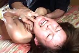 徹底調教にヒクヒク痙攣する美少女が首締めで泣きながら連続イキ2