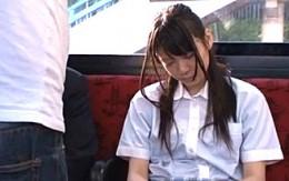 制服姿の美少女JKがバスの中で大量潮吹き2穴同時中出し挿入0