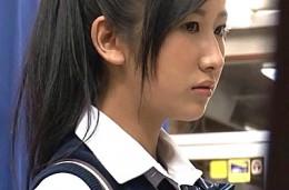 美少女JKが媚薬付き高速ピストンでパイパン突かれ白目痙攣トランス04