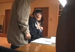 家庭教師の中年オヤジに中出しされるツインテールの美少女JK2