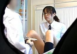 真面目そうなメガネJKが婦人科医師にコンドームの付け方を教わり即ズボ2