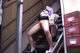 激しい陵辱に体は制御不能で大量ハメ潮吹き激痙攣する人妻達2