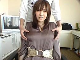 Gカップ巨乳人妻が初めての浮気エッチでハメ撮り痙攣イキ!森ななこ2