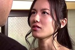 元上司の激しいセックスに溺れ浮気を繰り返す美人妻!武藤あやか2