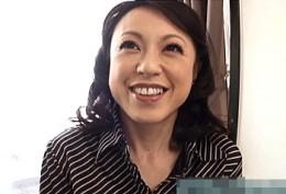 ドM体質の妖艶人妻が初撮りで巨根激ピストンに痙攣イキ!藤井菜々子
