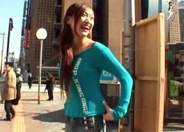 ホットパンツの長身美女が青姦羞恥プレイに興奮して連続痙攣イキまくり!大石もえ2