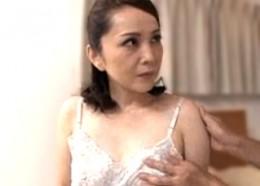 ポッチ乳首の美熟女が初撮りエッチで中出しされヒクヒク痙攣!国生亜弥