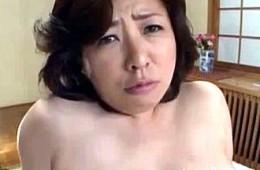 初撮りで悶絶失神するドMブリっ子豊満熟女が連続アクメ!早川純子