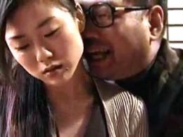 セックス中毒の人妻がオヤジ達に抱かれ痙攣イキ!大越はるか