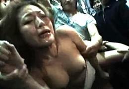 TバックOLがバスの中で集団陵辱され潮吹き激ピストンで強制アクメ2