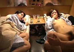 女子大生2人が寝台列車で陵辱されるも痙攣イカされまくり快楽堕ち!榊なち・加藤梓0