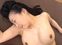 ガクガク激痙攣イキっぱなしの膣内が異常に敏感な年増妻!桐島美奈子2