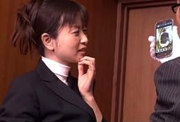 真面目な社長秘書が社内調教されオシッコ出しまくりガクガク激痙攣ファック!宮内京香7