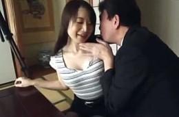 夫公認で貸し出された人妻が他人棒で半狂乱の連続痙攣イキまくり!湯本珠未2