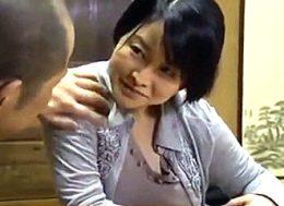 母親の彼氏を寝取り三回連続でガクガク痙攣イキする巨乳娘!大堀香奈・浅井舞香