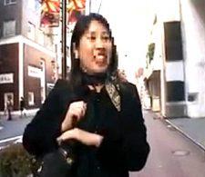 銀座で働く調子にのった三段腹人妻をナンパ4Pでイカせまくる!高速ピストンで足ガク痙攣ザーメン顔射三連発!