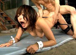 長身の変態女が3P連続ピストンでアヘ顔大絶叫で連続痙攣イキまくる!山本美和子
