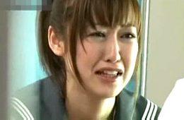 泣きながら妊娠検査に来たJKを潮吹かせ中出しファックする鬼畜婦人科医!篠田ゆう