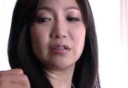 夫の上司にセックス漬けにされ体に刻まれる快感から逃れられない人妻!潮吹き痙攣イカされまくる !上野菜穂