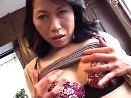 超敏感なドスケベ熟女がハメ撮り調教で激痙攣イキまくり!浅田真結