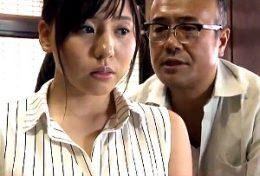 夫の服役中に義父とデキてしまった嫁が家庭内不倫に溺れる!江上しほ