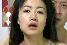 旦那公認で寝取られる貞淑な人妻が巨根で骨抜きにされ痙攣イカされまくる!永井智美